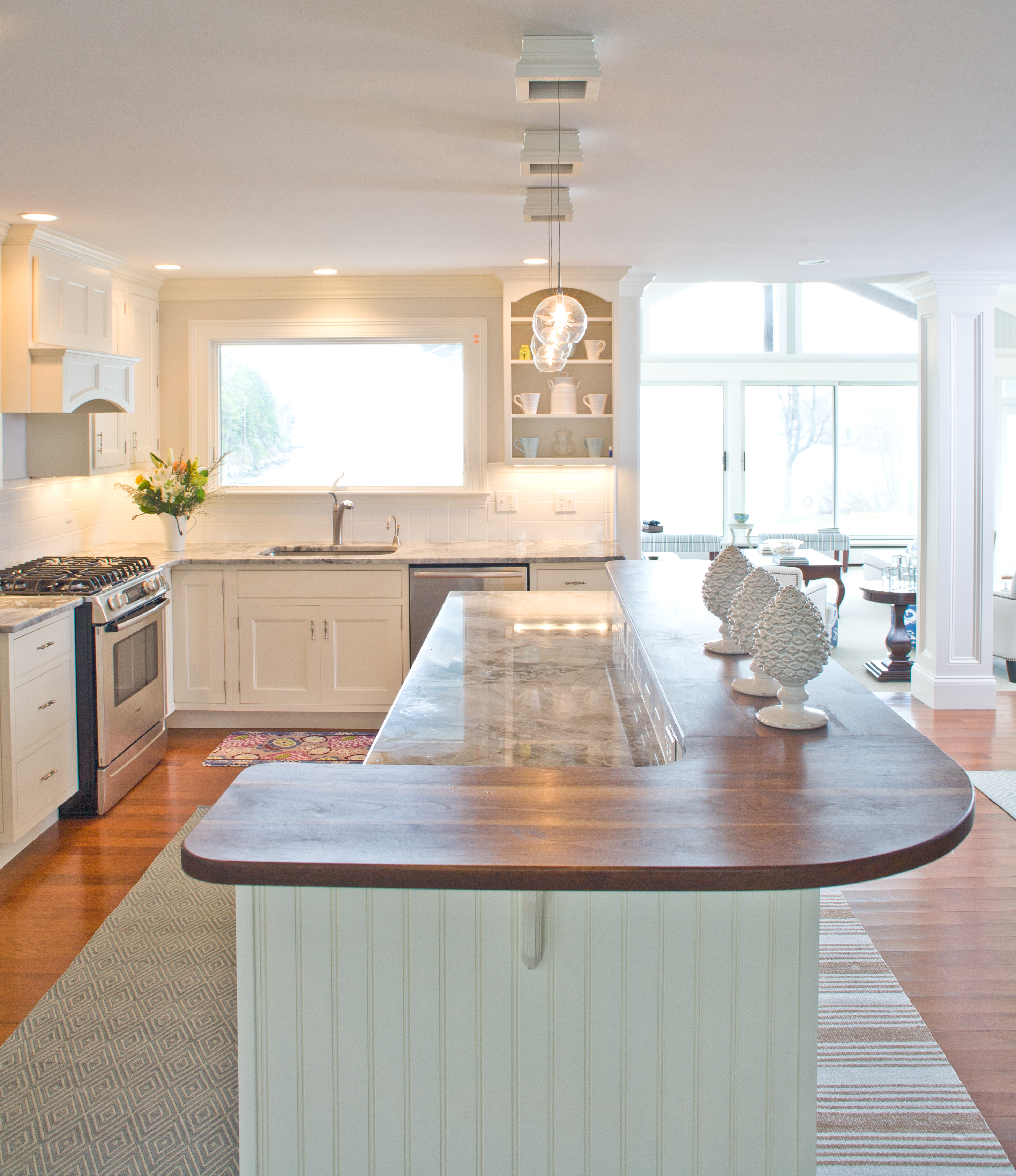 How To Design A Coastal Kitchen: Musts In Coastal Home Design.