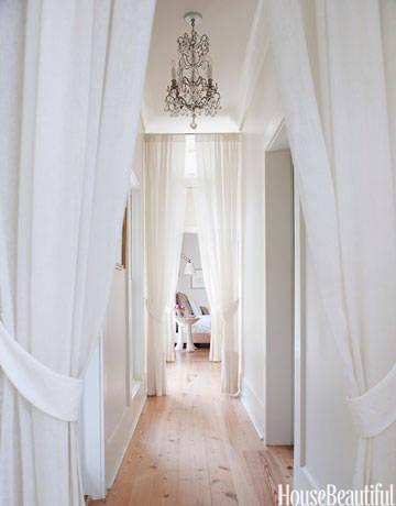 54c1542a9c661_-_hbx-1210-nygren-hallway-curtains-28-de-2zinzf-42870043-lgn
